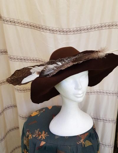georges-leta-chapeaux-fabrication-artisanale-chapeau-medieval-2