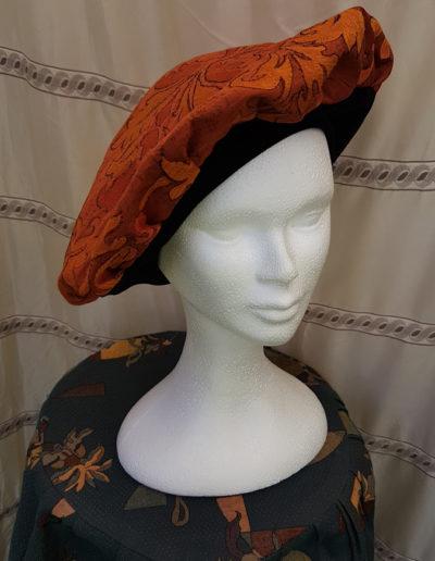 georges-leta-chapeaux-fabrication-artisanale-chapeau-medieval-4