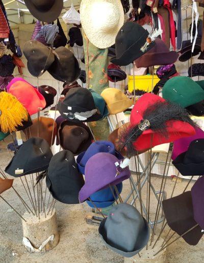georges-leta-chapeaux-stand-foire-georges-chapeaux-fabrication-artisanale-faitmain1_1